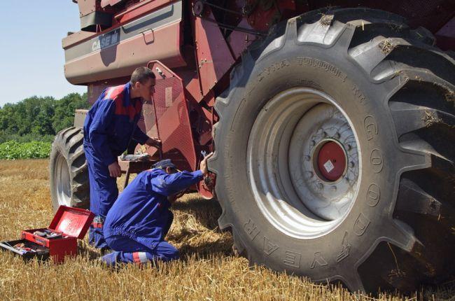 ремонт трактора и грузовой техники