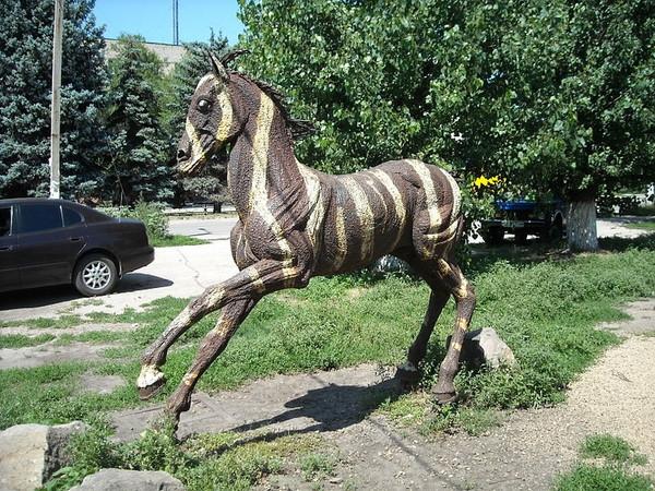 Памятник лошади